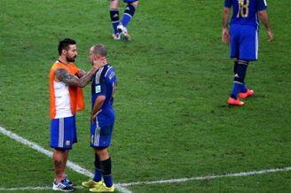 阿根廷队魂:一生的痛昂头接受 主帅:为球队骄傲