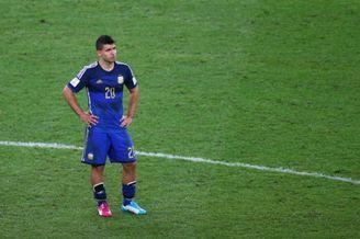 阿根廷一个换人堪称全场最差 阿圭罗一上毁全队进攻