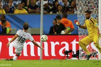 向阿根廷门神致敬!世界杯超卡西纪录 请昂首离开!