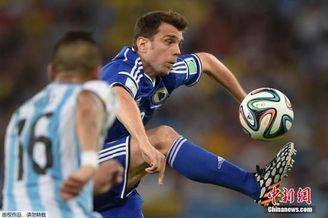 米西精彩助攻遭昏哨扼杀 中超巨星首届世界杯抱憾