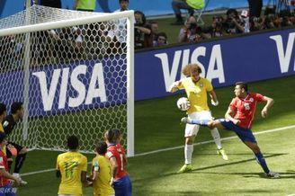 世界杯最考眼力进球来了 乌龙?其实是个妖球(图)