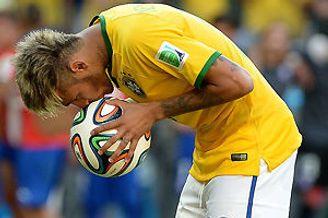 黄健翔笑谈京骂进世界杯 郝海东:02踢这巴西有机会