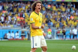 巴西缺谁都不能缺他 不戴袖标的队长 没他天会塌