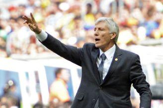 哥伦比亚总统盛赞国家队表现 敦促与佩克尔曼续约