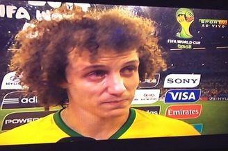 巴西铁卫哭着道歉:承担一切 对不起所有巴西人(图)