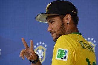内马尔:决赛支持梅西和阿根廷 阿圭罗:德国压力大