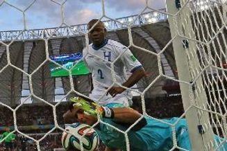 世界杯-本泽马2球+造乌龙 法国3-0胜10人洪都拉斯