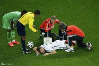 德大将伤退可能就此告别世界杯 小猪被换下虚惊一场