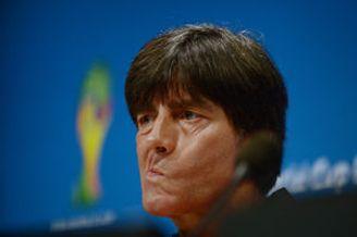 勒夫备好阿根廷点球手卡片 称不怕梅西和任何球员
