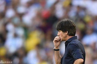 勒夫透露曾激励格策:在世界球迷前证明你比梅西强