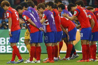 韩球迷吐槽:我们是贡品 洪明甫傻子后卫脑子进水