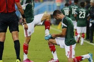 世界杯-埃托奥憾中立柱 墨西哥好球被吹胜喀麦隆