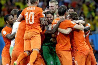 世杯-范佩西斯内德三中框 荷兰4-3点杀哥斯达黎加