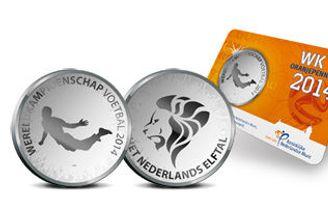 荷兰造范佩西世界杯纪念币 印鱼跃冲顶动作(图)