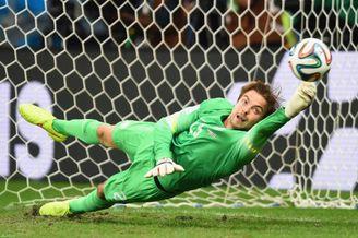 范加尔:对阿根廷半决赛胜率各半 神奇克鲁尔不首发