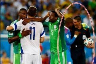 世界杯惊爆黑哨赌球端倪 主裁与门将欢庆被拍(图)