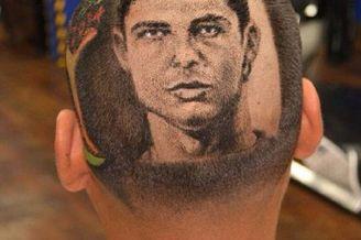 世界杯巴西流行新发型 内马尔C罗头像刻上后脑勺(图)
