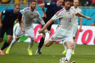 阿隆索否认世界杯后退出国家队:还没做出最终决定