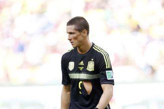 西班牙意外超囧一幕让球迷倒戈 托雷斯他竟然脱了!