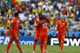 老天要亡荷兰荷兰偏不亡 10分钟神剧情!这就是足球