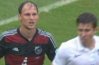 德国男模队变秃子队!大雨浇出真相 脱发惨不忍睹(图)