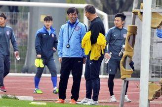 国足训练备战热身赛
