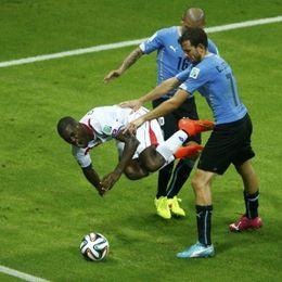 第1张红牌:佩雷拉-乌拉圭