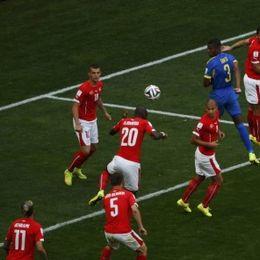 [E组首轮]瑞士2-1厄瓜多尔