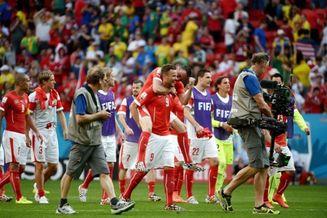 高清图-新浪直击瑞士2-1厄瓜多尔