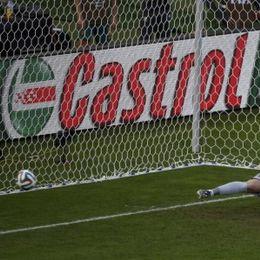 第52球:耶迪纳克点射助澳洲反超