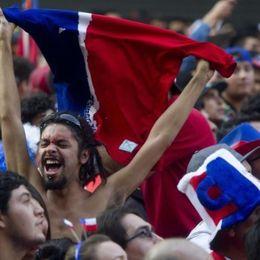 智利K掉卫冕队球迷疯狂了
