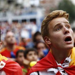 西班牙国内球迷面对球队出局沮丧不已