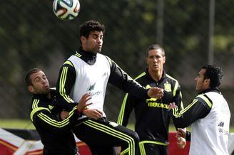 高清图-西班牙队照常训练