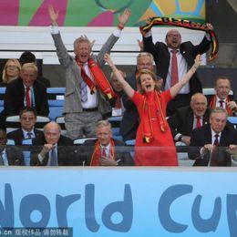 比利时赢球王后失控庆祝