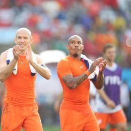 新浪直击荷兰2-0智利