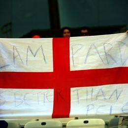 新浪直击英格兰球迷力挺兰帕德