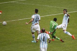 高清图-第122球:穆萨再进球施压梅西