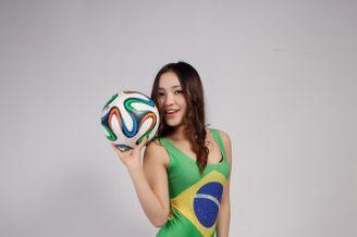 高清图-性感泳衣宝贝力挺巴西