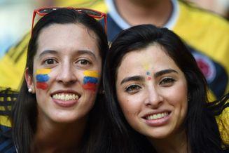 高清图-哥伦比亚乌拉圭球迷集锦
