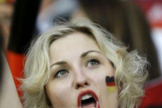 高清图-德国阿尔及利亚球迷集锦