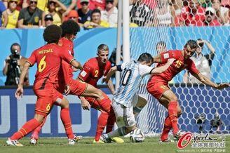 高清图-世界杯盘点梅西1V多镜头