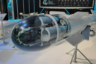 俄罗斯航展上展出各型制导武器