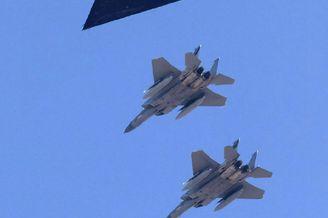 美军F-117降落军民合用机场