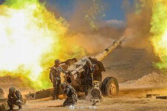 新疆军区开展实弹射击训练