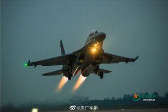歼16战机跨昼夜飞行训练