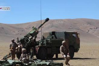 西藏军区合PCL161榴弹炮演习