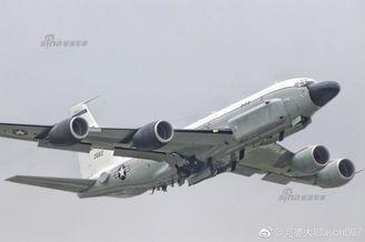 美RC-135弹道导弹侦察机现日本