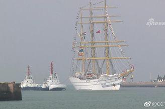 印尼海军风帆训练舰访问青岛