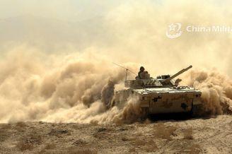 96坦克與04步戰快速機動演練