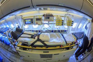 德国军机开设ICU转运重症患者